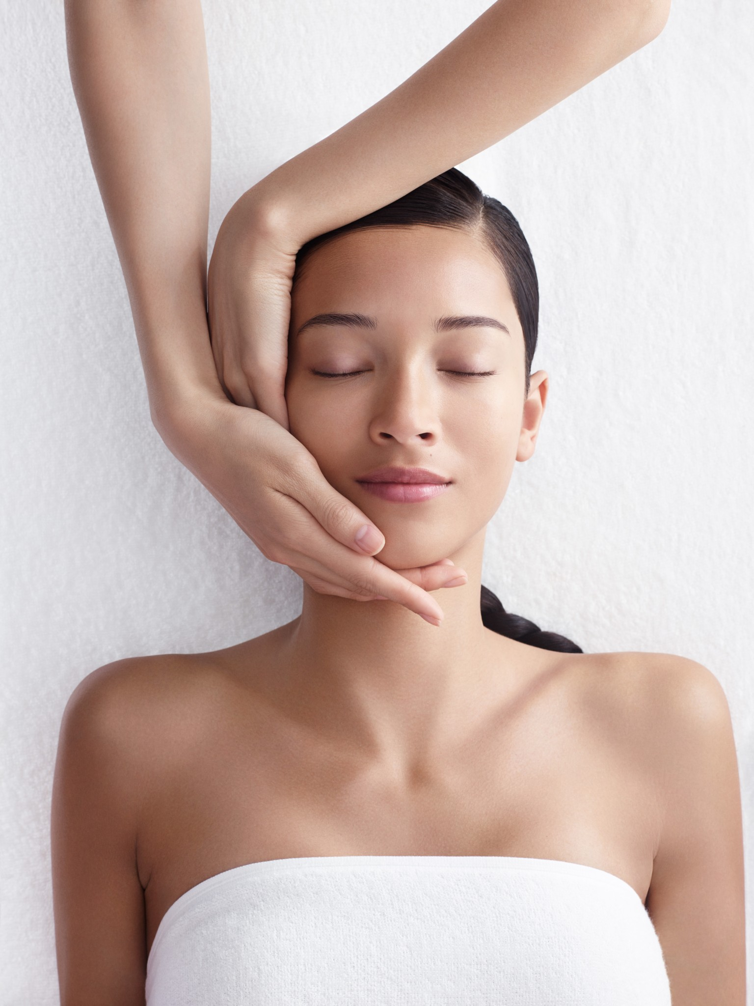 Review the tri active whitening activator facial at for Clarins salon