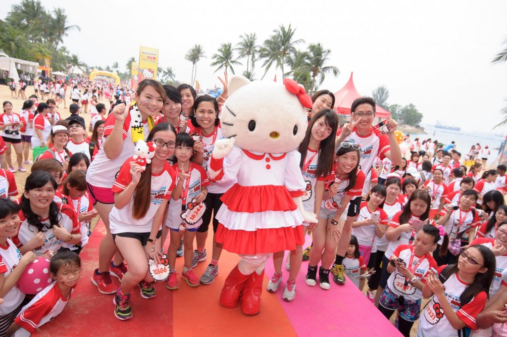 Fans taking photos with Hello Kitty Run Singapore 2014