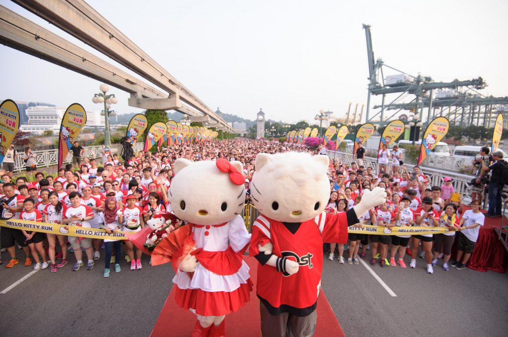 Hello Kitty and Dear Daniel making at appearance at Hello Kitty Run Singapore 2014