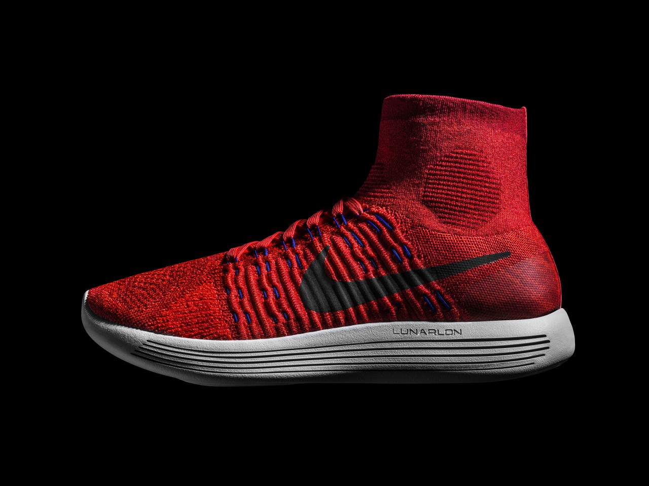 sneakers for cheap 912af 656e9 The New Nike LunarEpic Flyknit Is A Dream Shoe For Runners ...