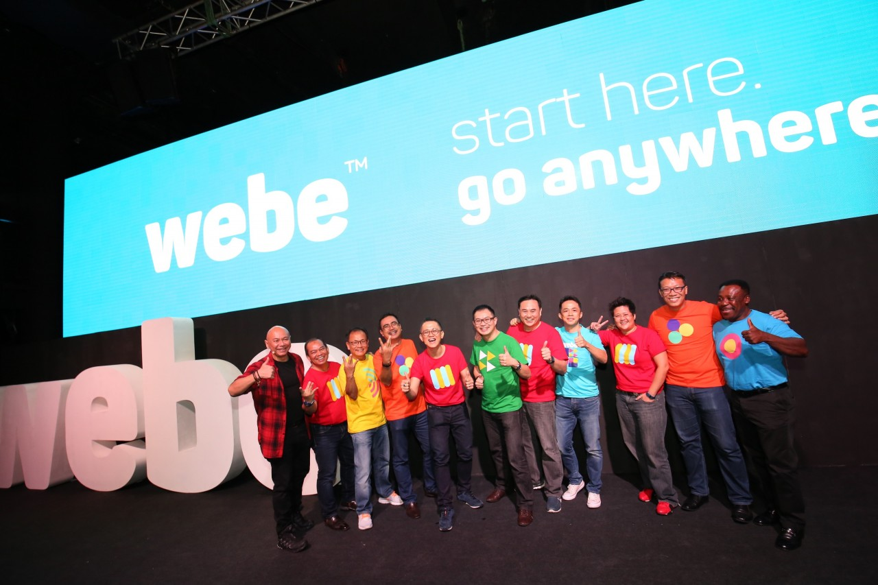 CC Puan, CEO of webe and James Chong, Chief Calibrator, webe community with the webe team
