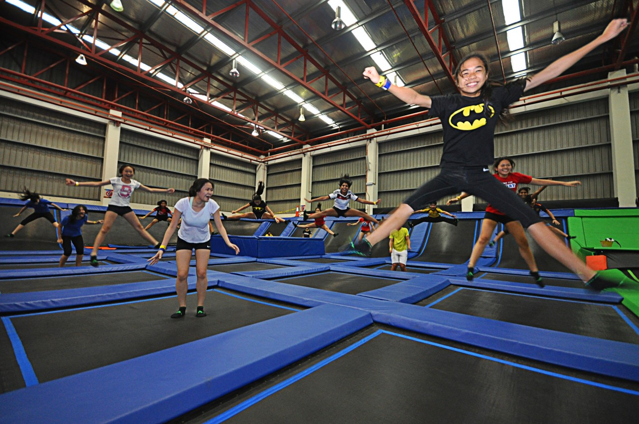 jump street trampoline park pj pumps up the fun as it turns 2. Black Bedroom Furniture Sets. Home Design Ideas