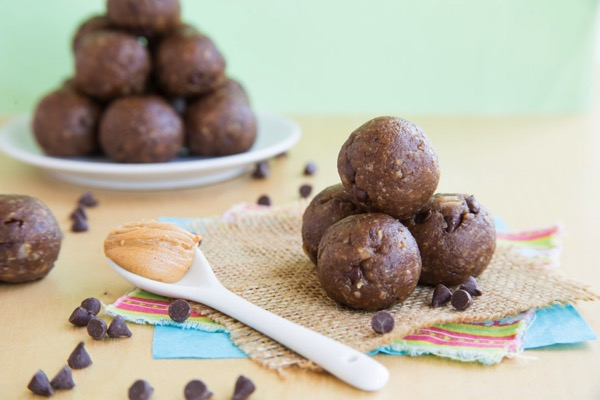 Funky-Monkey-Banana-Chocolate-Peanut-Butter-Energy-Balls-1354