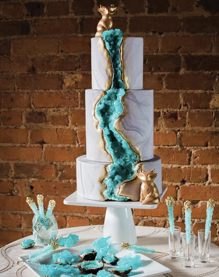 Whoa Take A Look At These Gorgeous Geode Wedding Cakes