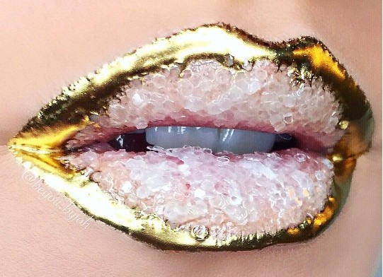 Crystal Lip: A Phenomenal Instagram Beauty Trend We're Obsessed With
