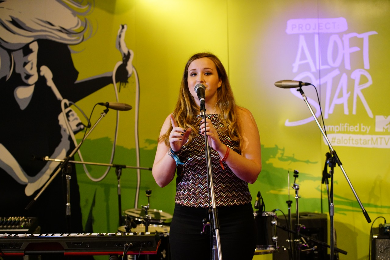 226665-Soph Retief performance at Project Aloft Star, Amplified by MTV 2016 Southeast Asia finals Pic 1 (Credit - Aloft Hotels)-030d66-original-1476081375