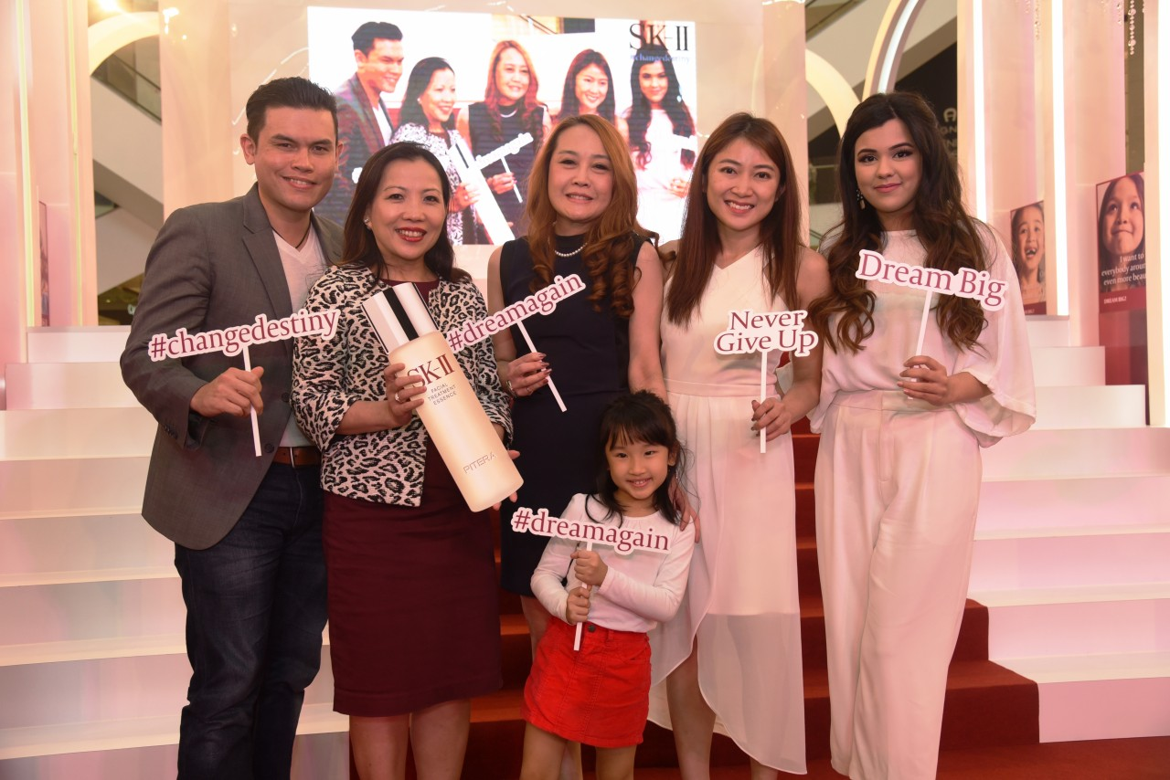 Vince Chong, Kung Suan Ai (Director of Marketing, Pavilion KL), Mandy Kok (Divisional Merchandising Manager, Parkson),Fu ShuQi (Brand Communications Manager, Global SK-II), Tashy, Lucie Chong (1)