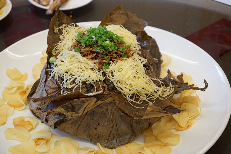 Steamed-Lotus-Leaf-Rice-with-Smoked-Oyster-and-topped-with-Arrow-Mushroom-(2)