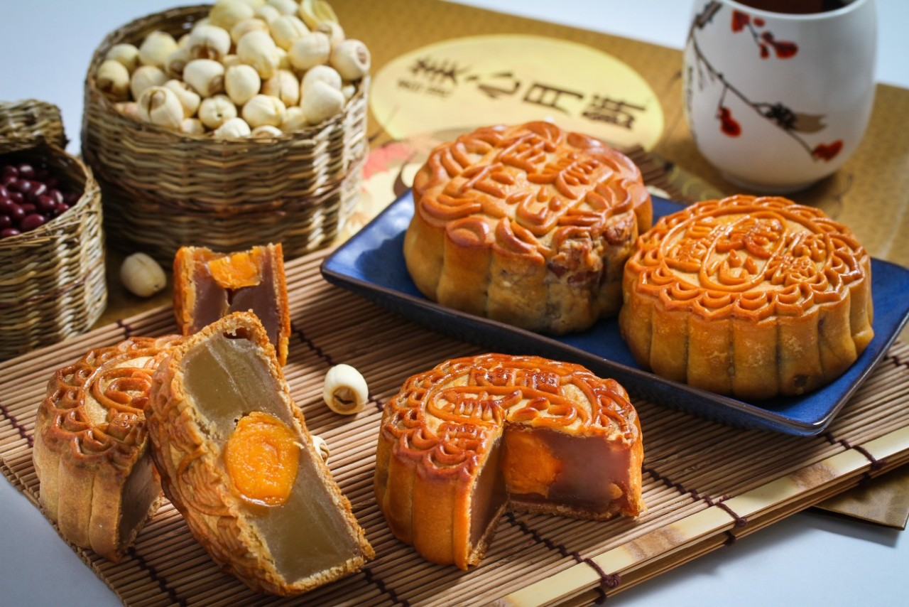 9 Spots To Get Your Mooncake Fix This Chinese Mid-Autumn ...