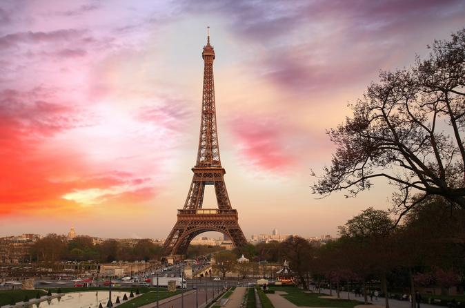 paris proves it is boujee af by installing sparkling water fountains. Black Bedroom Furniture Sets. Home Design Ideas
