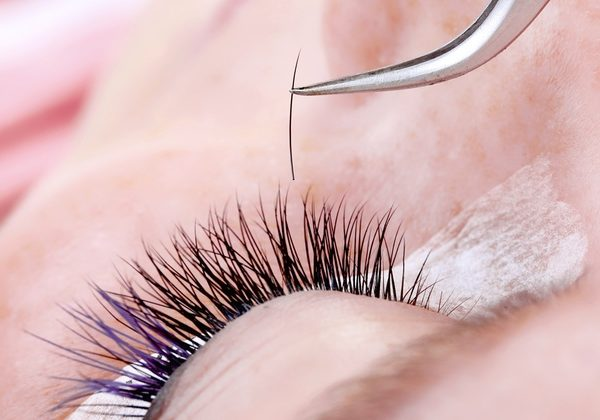 Here's How To Make Your Eyelashes Longer Thicker Video